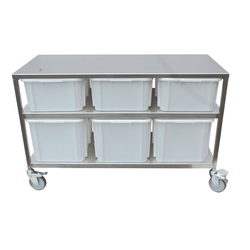 INGREDIENT WEIGHING STATION 1305x615x835mm 3x40L & 3x60L Mobile Stainless steel 4 wheel ø100mm 2 with brake 3 plastic bins á 40L (400x600x220mm) 3 plastic bins á 60L (400x600x320mm) External 1305x615x835mm (WxLxH) {Conforms with: EU 1935/2004, EU 2023/2006, EU 10/2011, EN 1.4509, EN 1.4301}